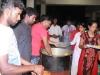 Youth distributing food Palavakkam church_resize